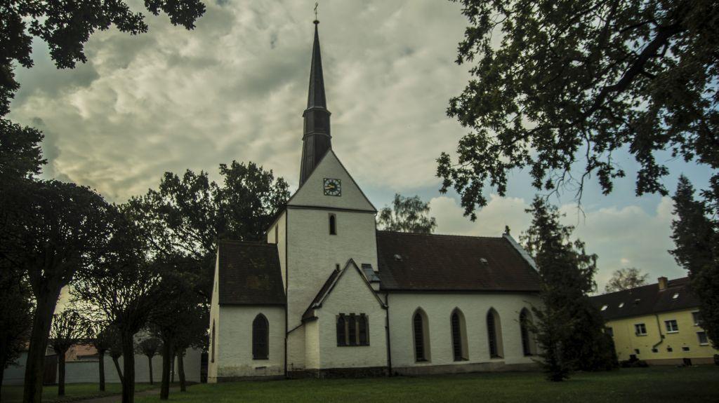 Kirche Großsteinberg (Ostseite)